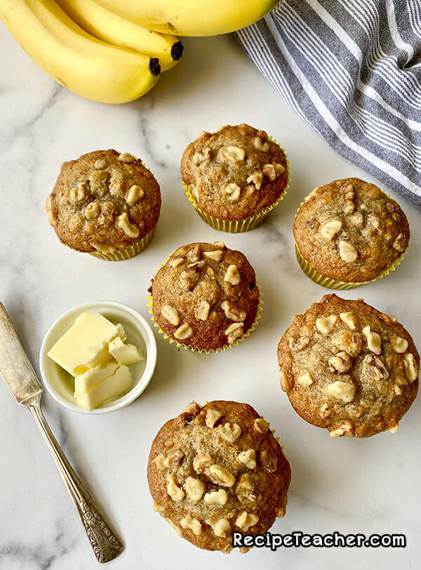 Recipe for banana nut muffins from recipeteacher.com