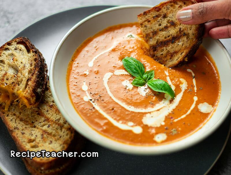 Recipe for Instant Pot Creamy Tomato Basil Soup