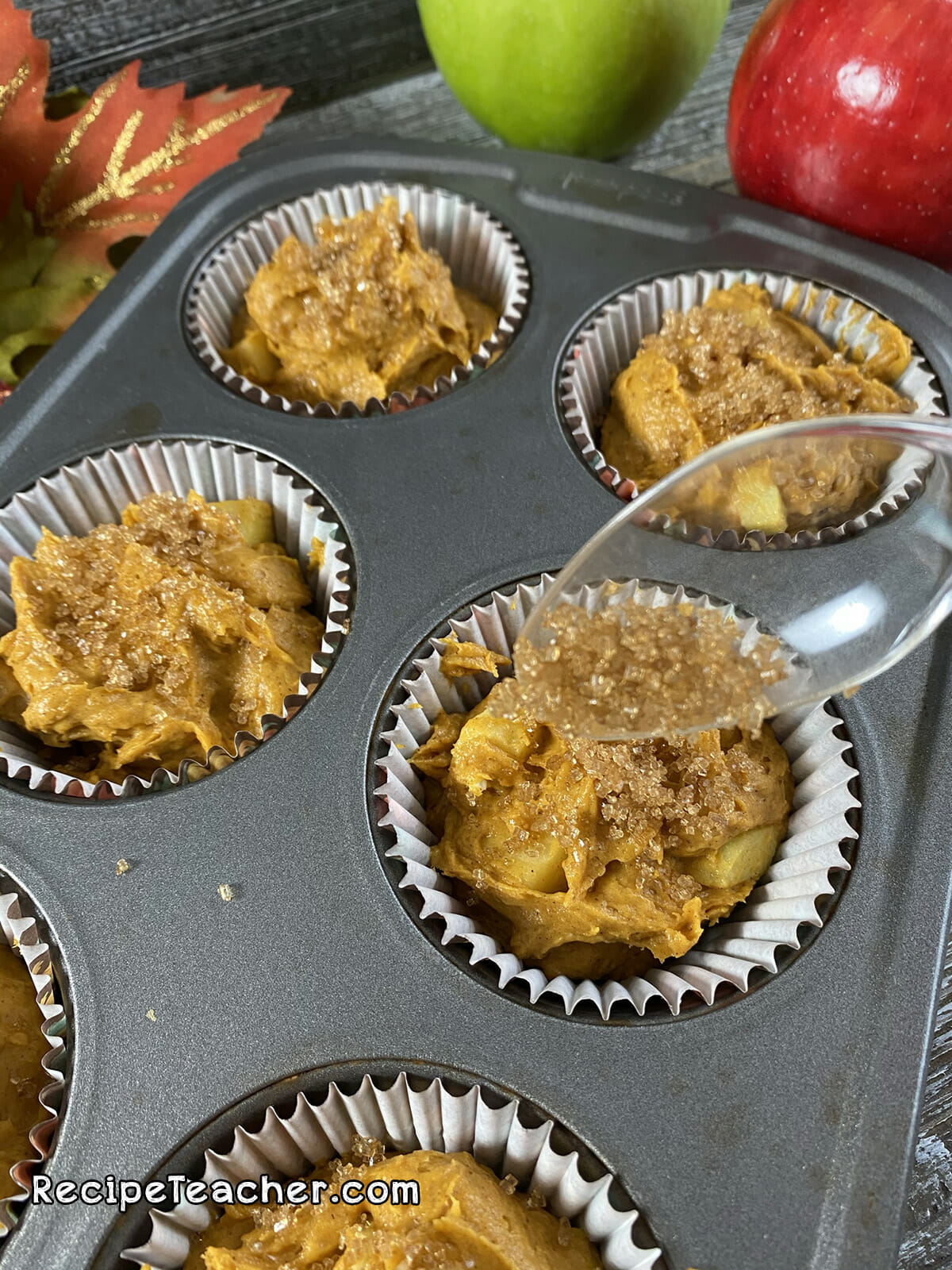 Recipe for pumpkin spice and apple muffins