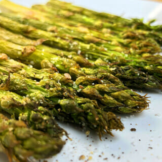 Instant Vortex Plus air fryer asparagus.