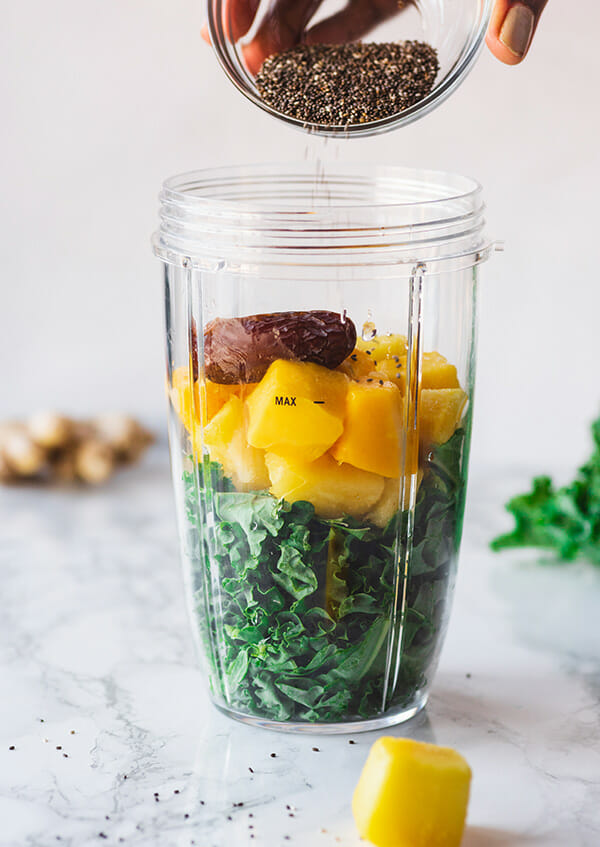 recipe for a healthy green smoothie with kale