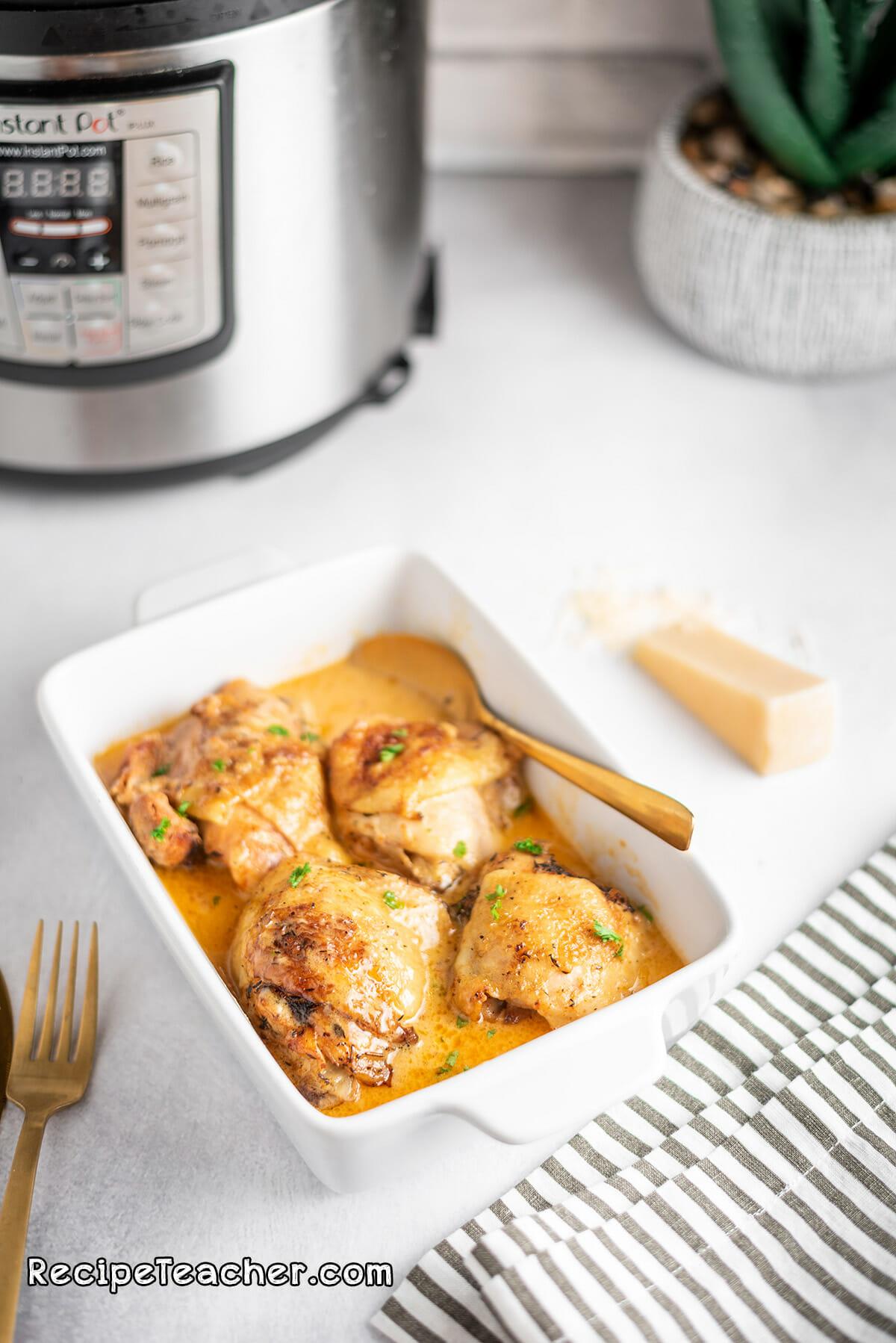 Recipe for Instant Pot creamy garlic chicken thighs