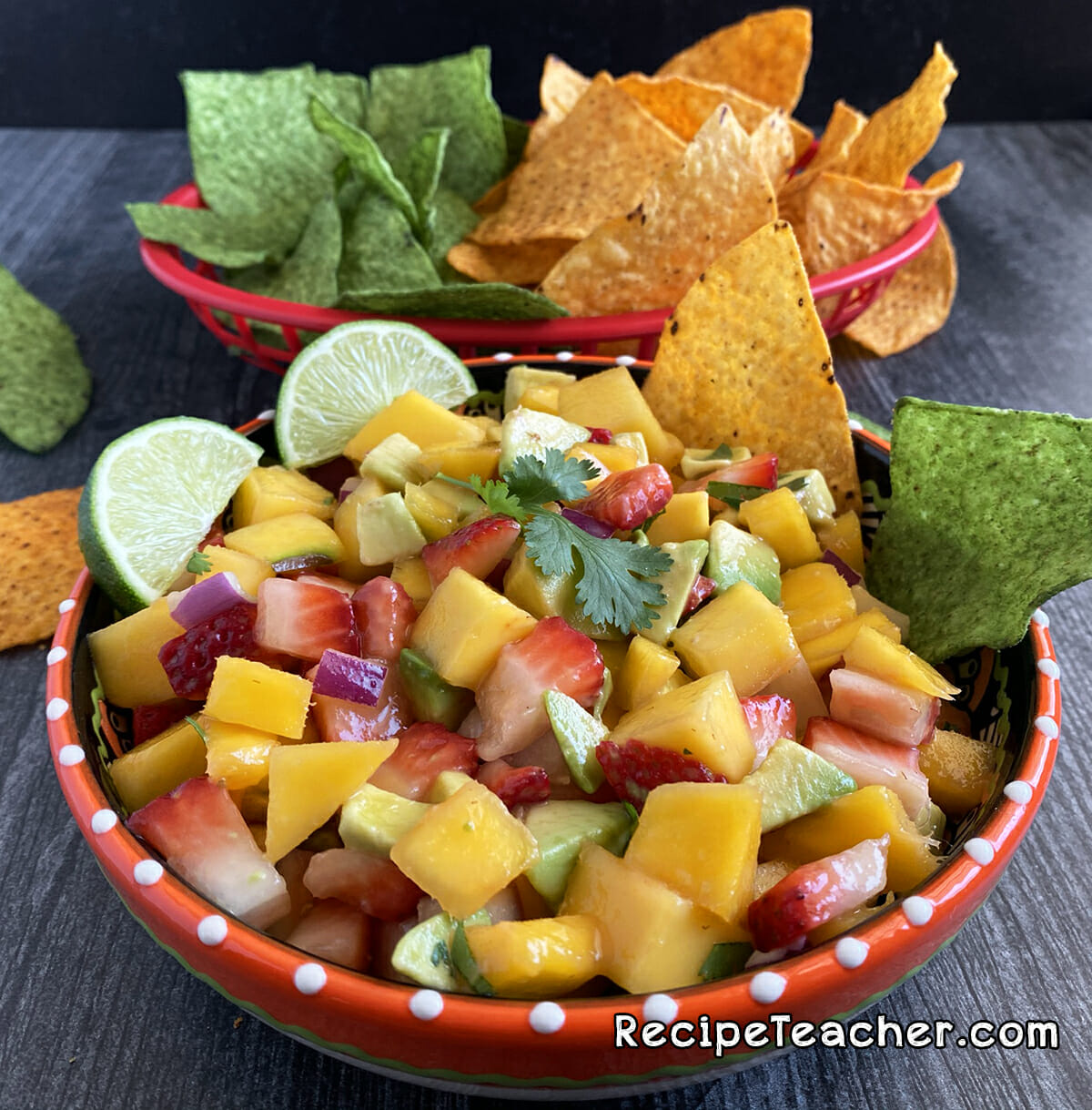 Recipe for thick and chunky mango salsa
