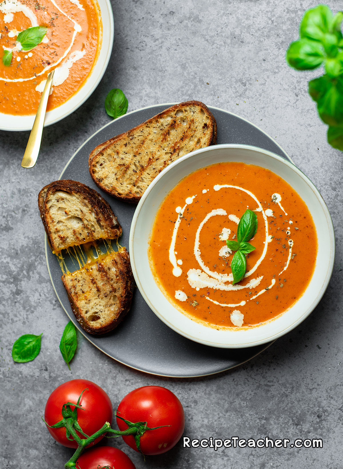 Instant Pot creamy tomato and basil soup