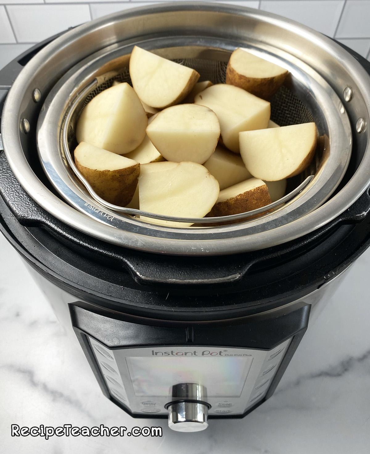 Recipe for Instant Pot parmesan garlic mashed potatoes